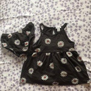 Splendid 12-18M daisy dress with bloomers.